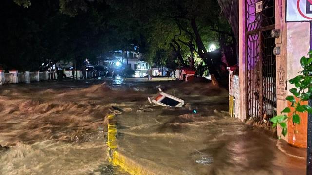 destrozos del huracan nora