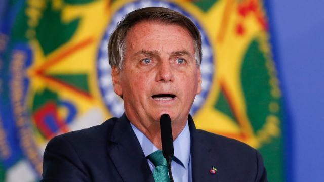 Indígenas brasileños denuncian a Bolsonaro por genocidio