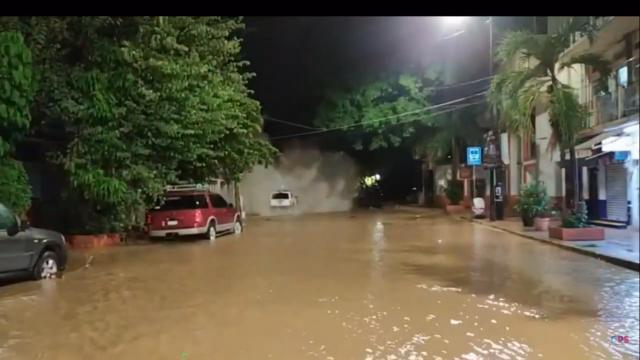 Captan momento exacto del derrumbe del edificio en Vallarta