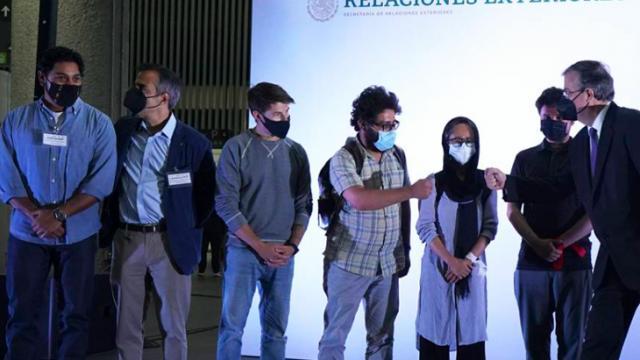 Periodistas afganos en México