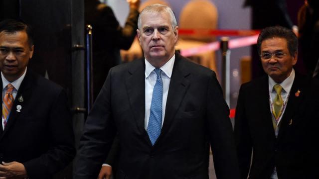 Policía británica examinará la denuncia presentada contra el príncipe Andrés
