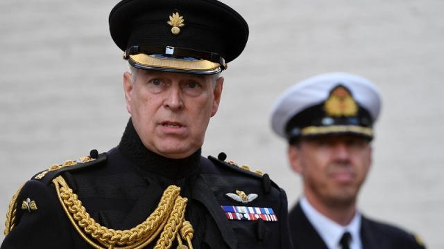 Príncipe Andrés es denunciado por abuso sexual