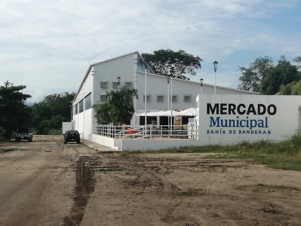 Revocaran concesiones en el mercado de San José del Valle