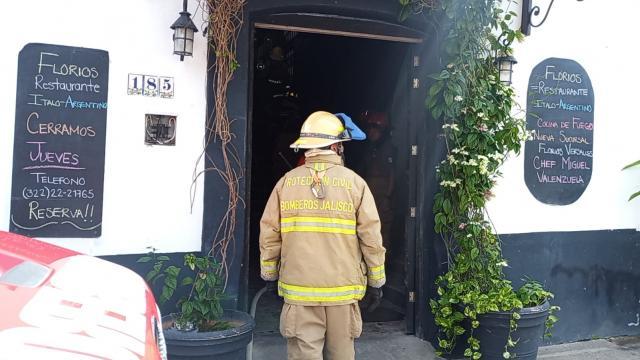 Se incendia restaurante en centro de la ciudad