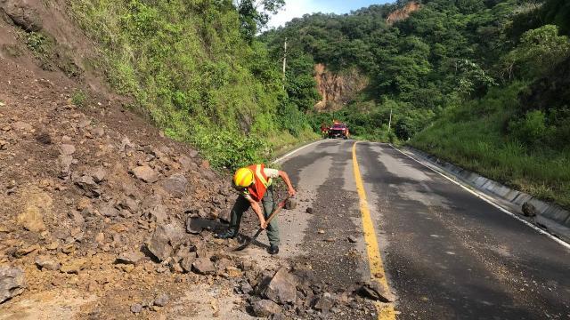 Se registran derrumbes en carretera 544