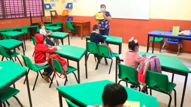 SLP reporta 42 alumnos y docentes enfermos de Covid