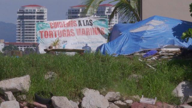 Denuncian campamento de indigentes en la playa del Holi