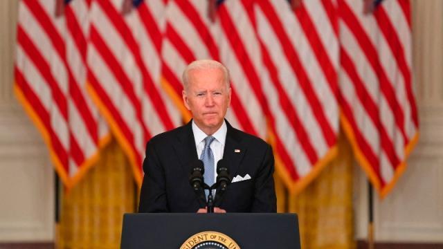 Biden defiende retiro de Afganistán en ceremonia por el 11-S