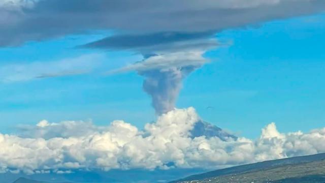 video explosión y columna de ceniza del volcán Popocatépetl