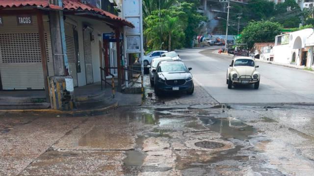 Calles inundadas en la colonia Emiliano Zapata