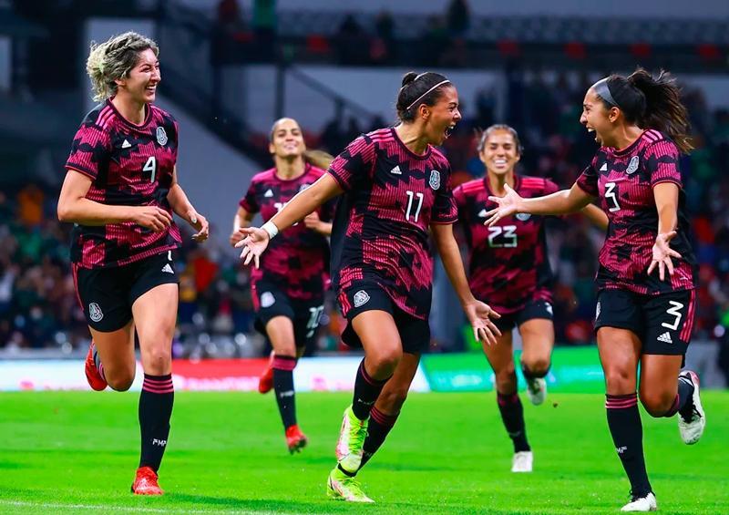 La Selección Mexicana Femenil se impone a Colombia en el Azteca