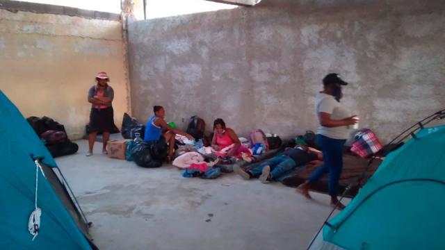 Trasladan a mayoría de haitianos a nuevo refugio en Acuña, Coahuila