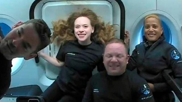Pasajeros de SpaceX regresan a la Tierra luego de tres días en el espacio