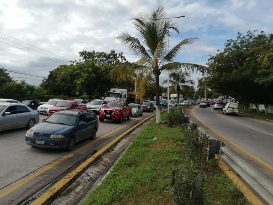 Accidente paraliza avenida del ingreso