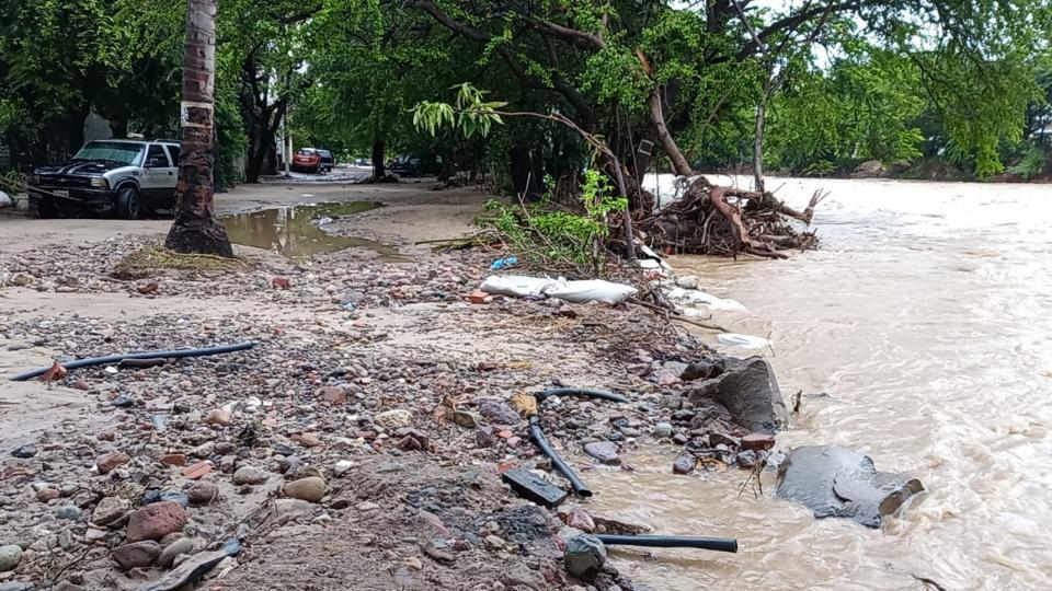 Río Pitillal amenaza Garza Blanca