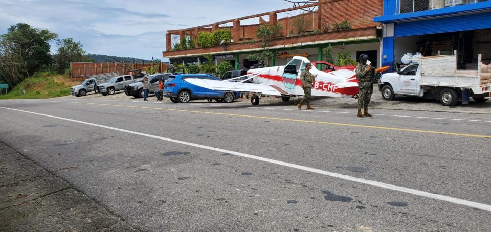 Avioneta asegurada en Cabo Corrientes