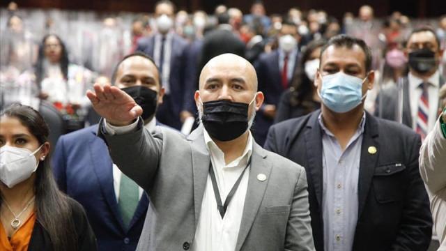 Bruno Blancas rinde protesta en el Congreso