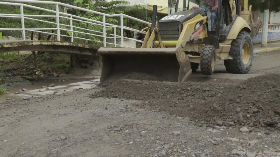 "Retiran escombros en las calles afectadas por el huracán ""Nora"""