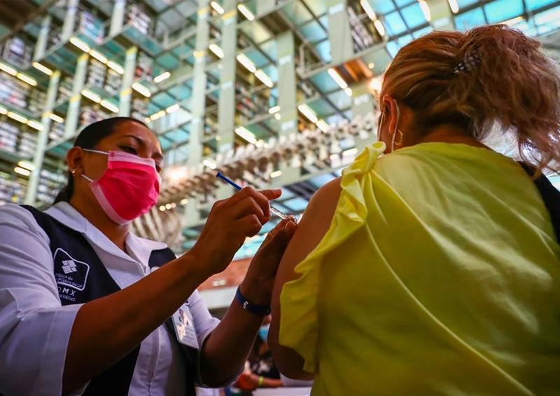 México registra 815 muertes y 12 mil 521 contagios por Covid