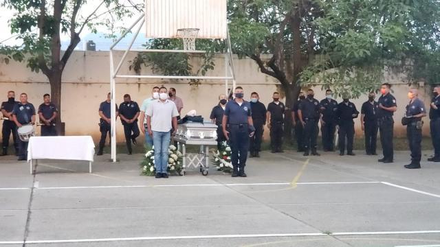Despiden con honores a oficial