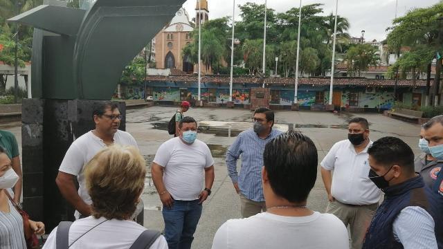 Instalan temporalmente en Parque Hidalgo 58 locatarios