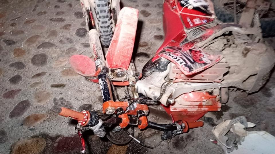 Joven sufre fractura al chocar en Fluvial Vallarta