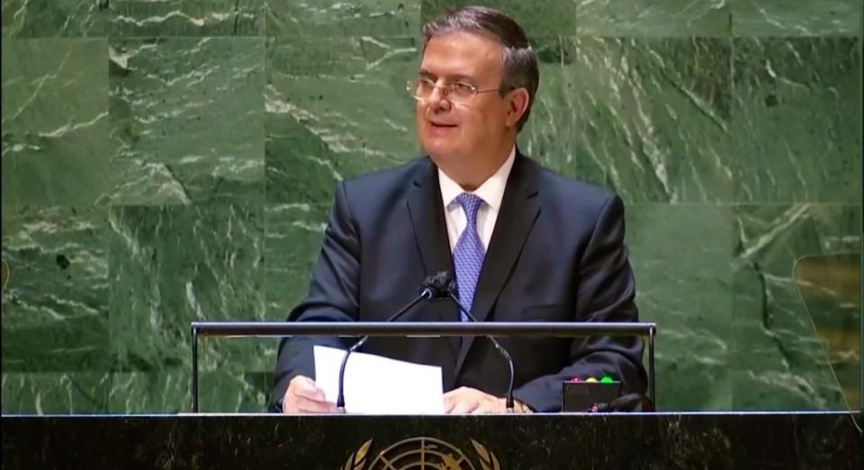 El canciller, Marcelo Ebrard Bandera de México reitera ante la Asamblea General de la ONU Bandera de Naciones Unidas: Reconocimiento universal a vacunas aprobadas por la OMS