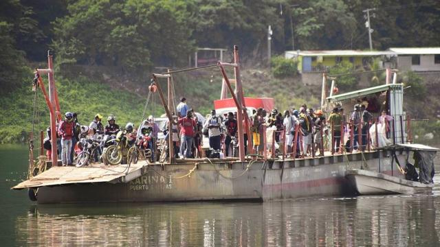 Migrantes cambian ruta