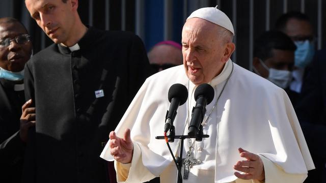 El Papa realiza una visita de cuatro días a Eslovaquia, donde se reunirá con sobrevivientes del Holocausto y miembros de la comunidad romaní.
