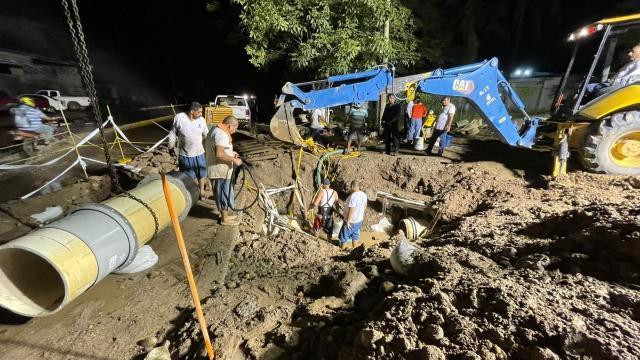 Restablecimiento de agua potable en Puerto Vallarta