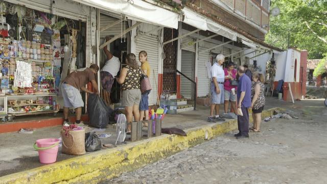 Puerto Vallarta está de pie