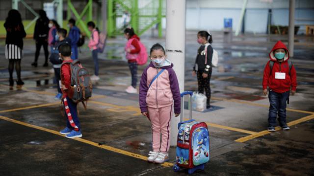 Yucatán suspende clases en varias escuelas por contagios