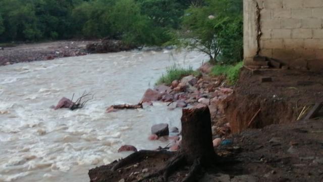 Desbordamiento del río El Pitillal
