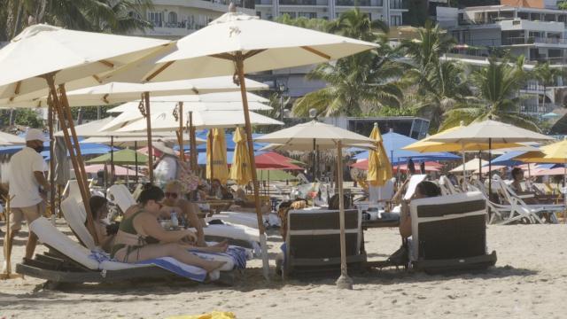 Turistas disfrutan de Vallarta, ocupación supera el 53%