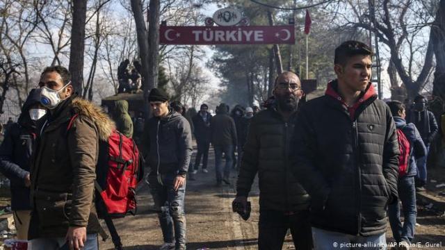 Turquía da la espalda a migrantes