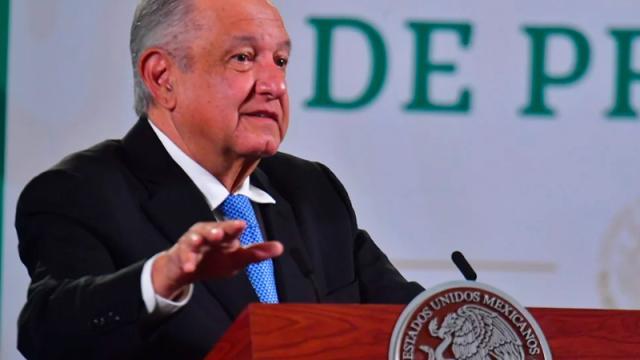 Amlo critica a la UNAM