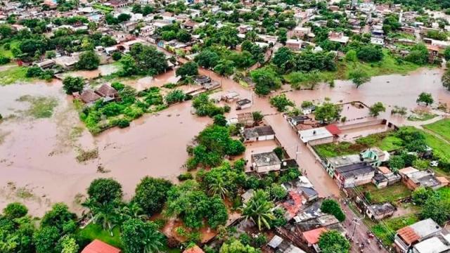 El huracán Pamela, tocó tierra en los primeros minutos de este miércoles