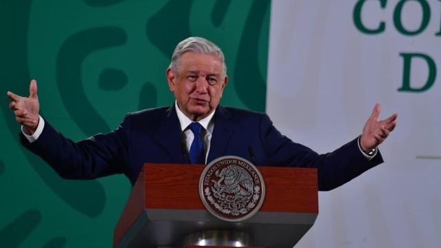 AMLO vs Va por México