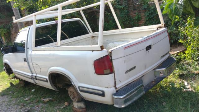 Camioneta recuperada en El Coapinole