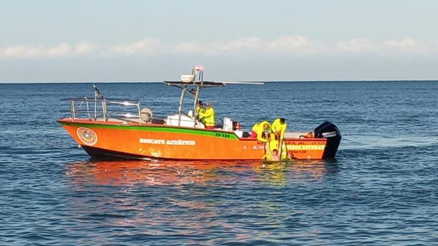 Embarcación Guardavidas y bomberos