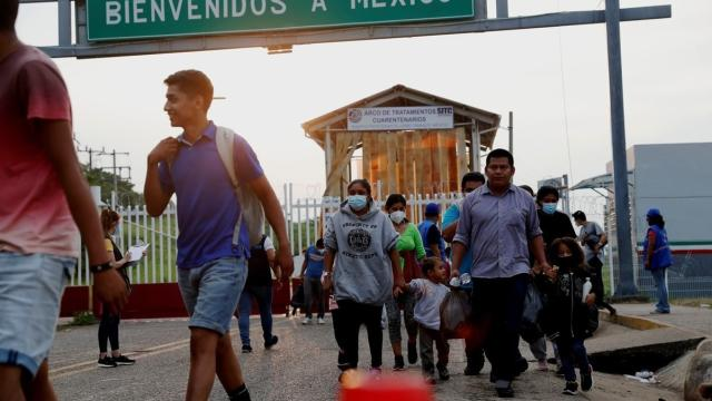 Quédate en México