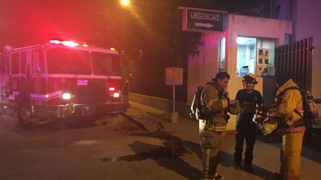 Se registra incendio en la clínica 42
