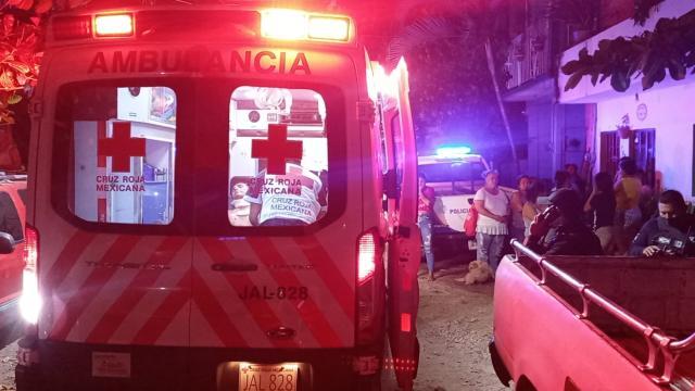 Ambulancia atendiendo a un herido