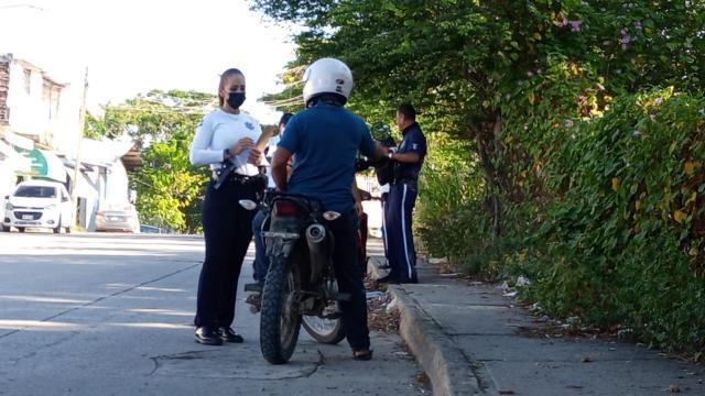 Operativos a conductores y motociclistas en Puerto Vallarta