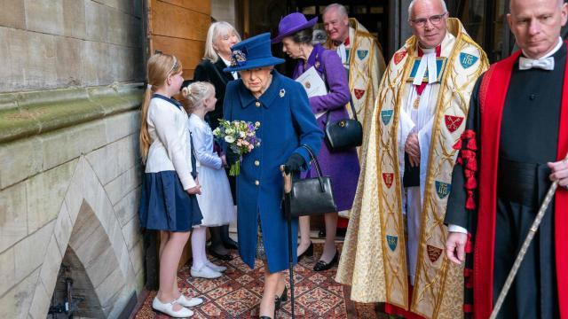 La reina Isabel II en en la abadía Westminster, Londres
